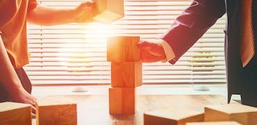 Choisir la bonne formation pour faire carrière dans la finance immobilière