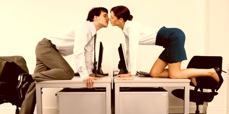 Trouve-t-on encore l'amour au travail ?