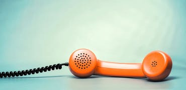 Apprendre l'anglais par téléphone : la bonne solution ?