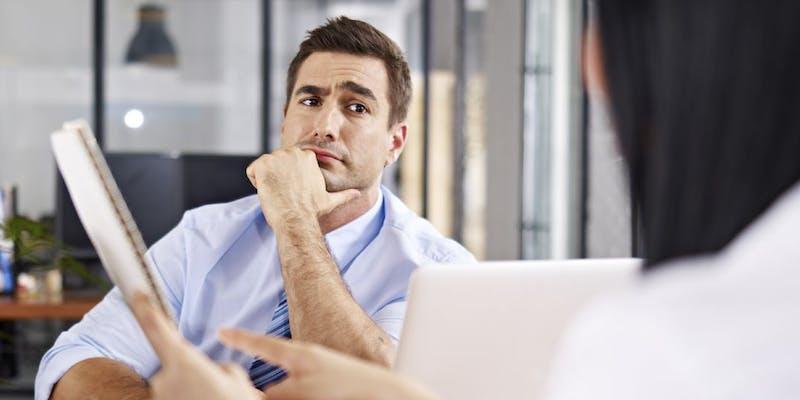 Questions piège pour les jeunes diplômés en entretien d'embauche : comment s'en sortir ?