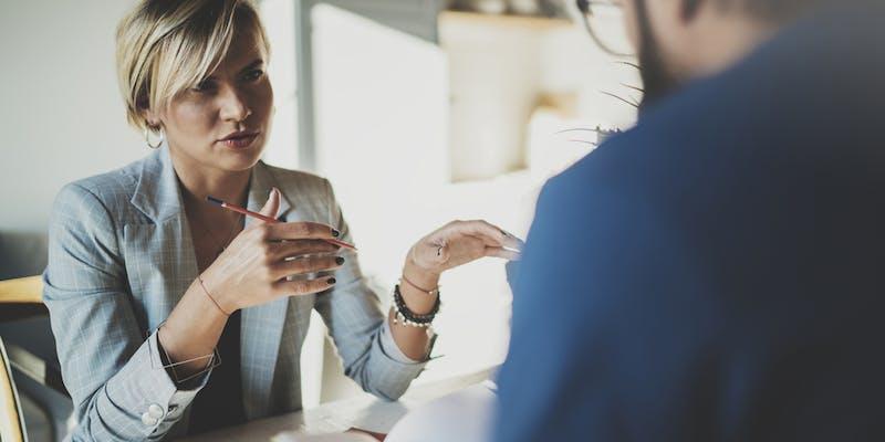 Entretiens annuels : comment annoncer de mauvaises nouvelles à un collaborateur ?