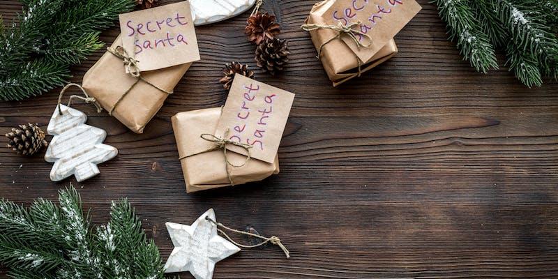 Noël au bureau : 4 idées pour lui donner un air de fête
