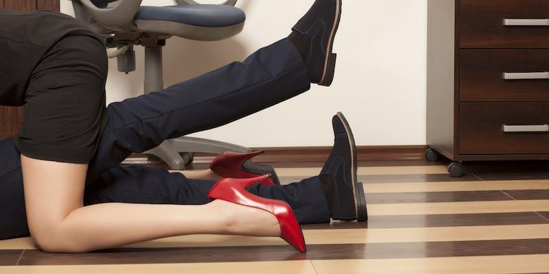Sexe au bureau, que risquez-vous ?