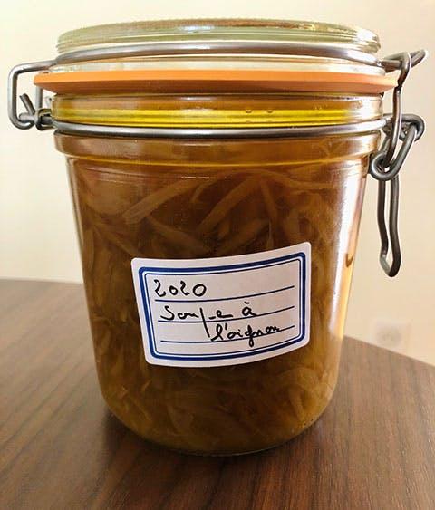 Bocal de soupe à l'oignon - Yves Camdeborde
