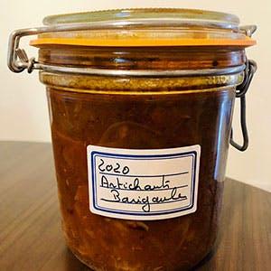 Bocal de pickles de artichauts barigoule