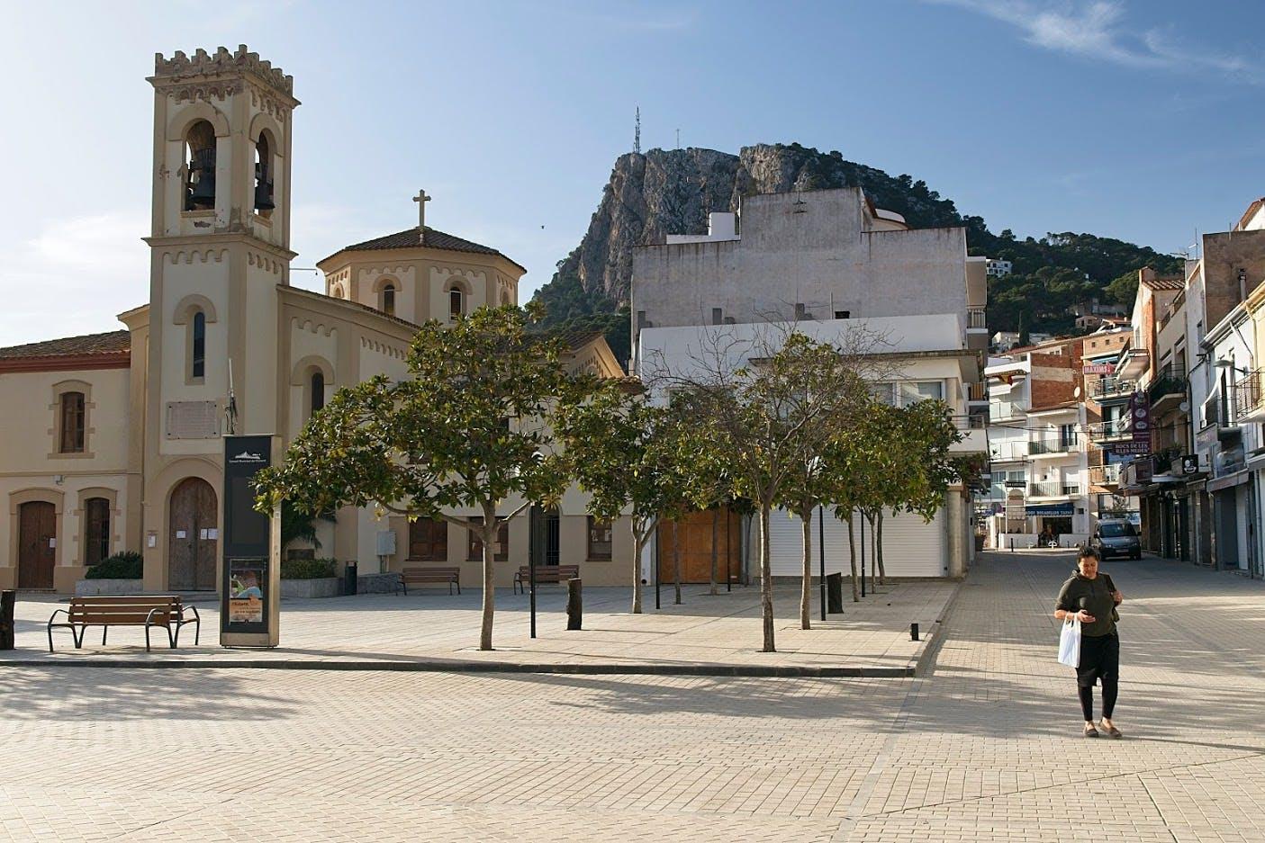l'Estartit - NKC motorhome tour Spain 2020 city and nature