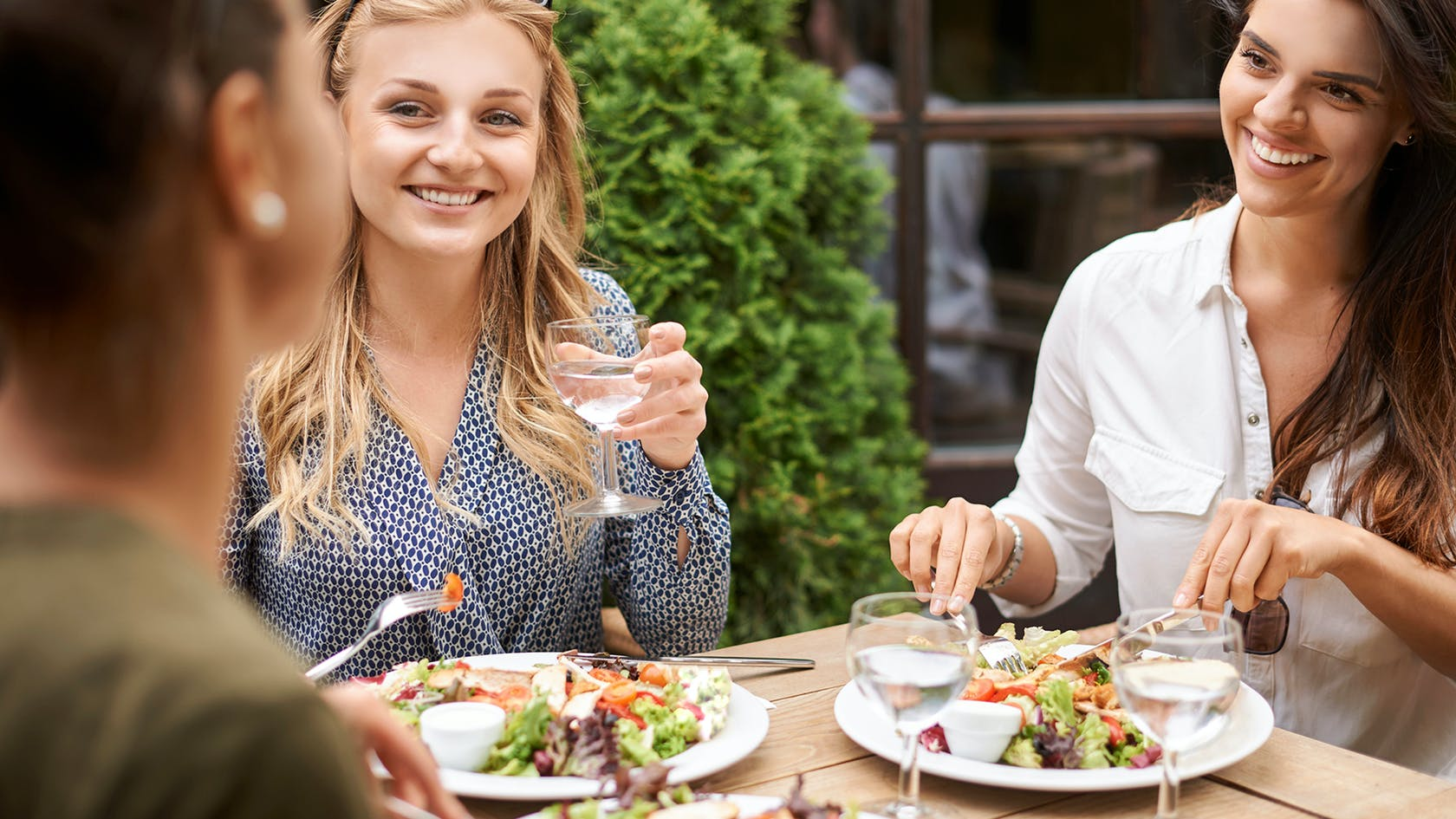 How To Dine Out On Keto Without Stressing Out