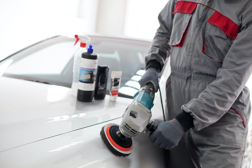 Tegye újra csillogóvá autóját - autó polírozás
