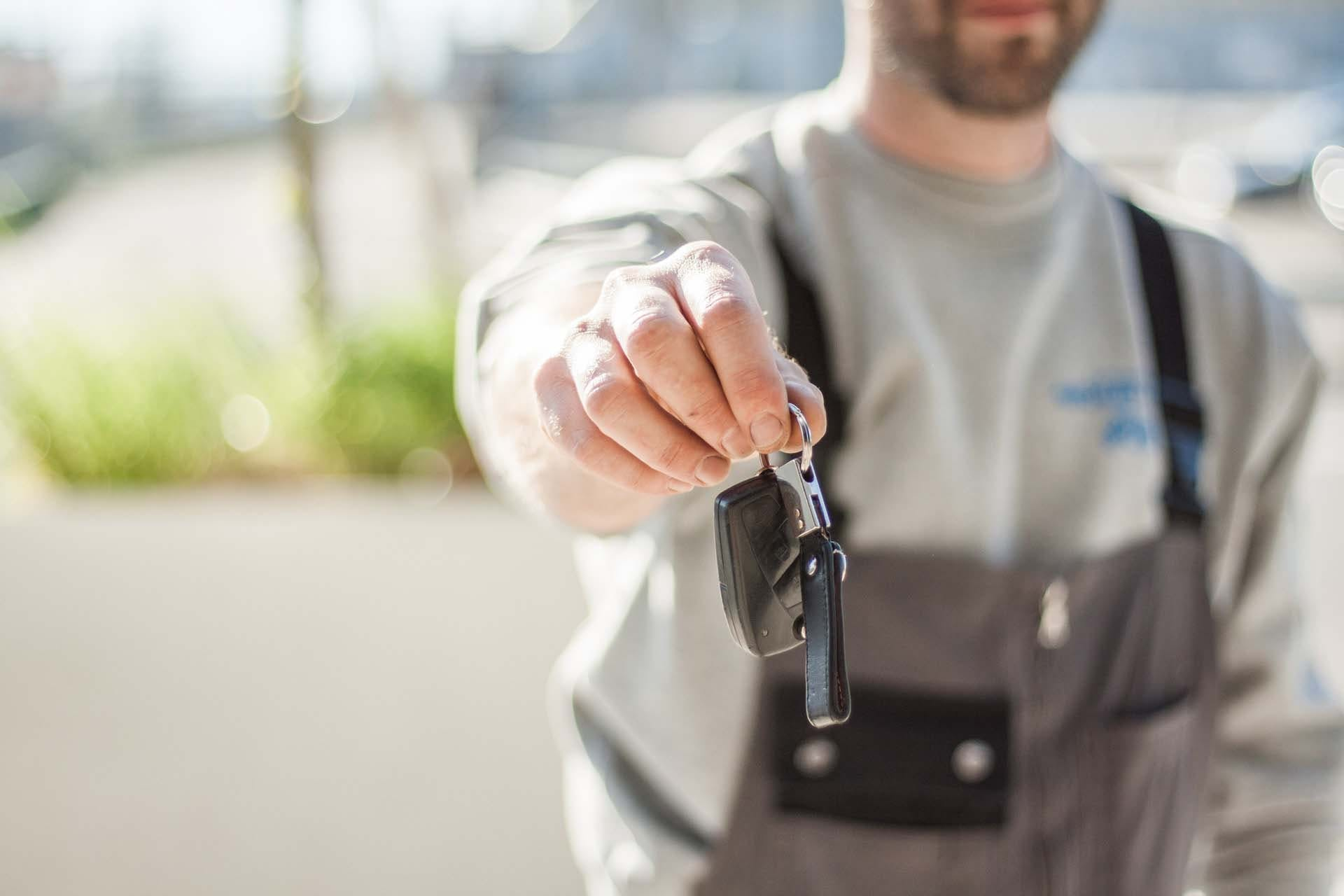 Zgłoszenie sprzedaży samochodu – wszystko, co musisz wiedzieć