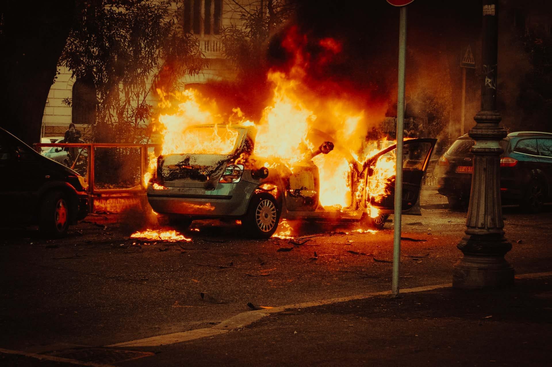 Dlaczego samochody się zapalają? I to częściej niż myślisz