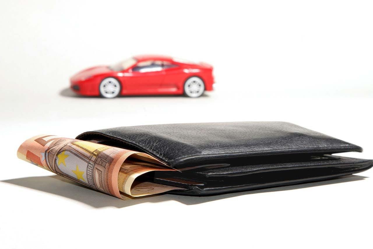 Skąd ludzie mają pieniądze na samochody? Skąd ty możesz je wziąć?