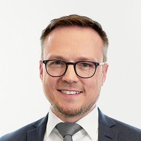 Dustin Huptas, Senior Management Consultant, Cassini Consulting AG
