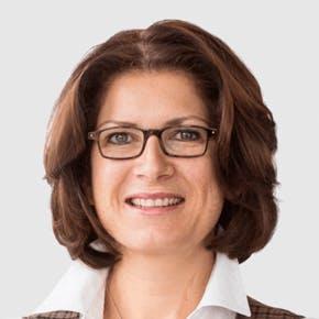 Celia Schneider, Human Resources, Cassini AG
