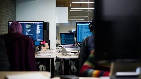 Softwaretests in agilen Projekten – Wie setzt man sie richtig um?