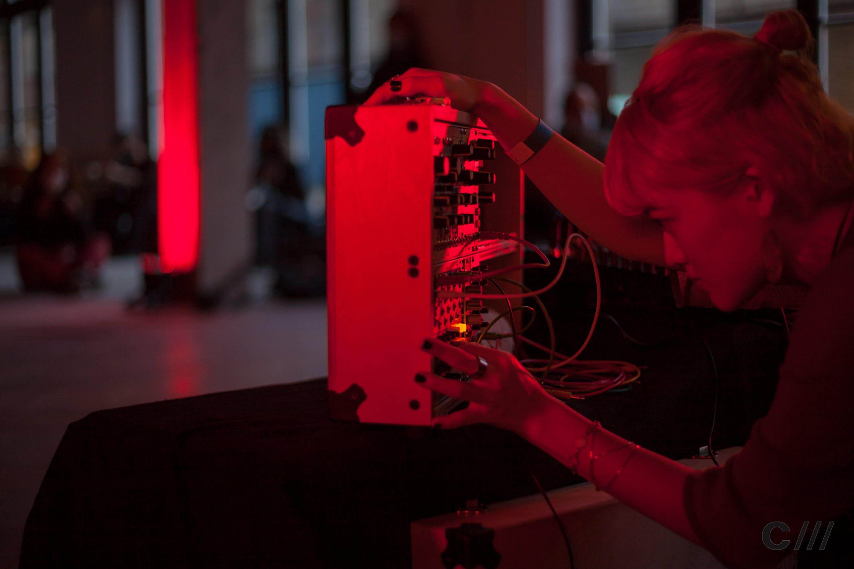 Mizuki Ishikawa performas at Signals Festival 2020 at Catalyst Berlin | Photo by Ian Dunham