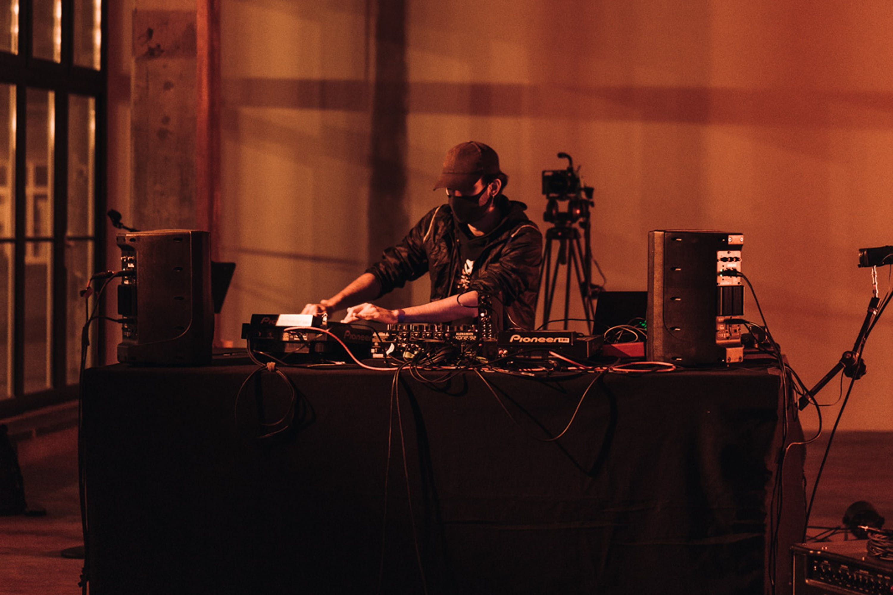 traumesser performance | Signals Festival 2020 at Catalyst Berlin | Photo by Dico Baskoro
