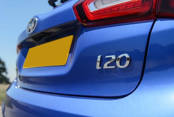 Badge shot of the Hyundai i20
