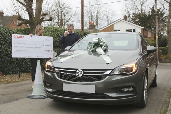 Cazoo customer with the 1000th free car