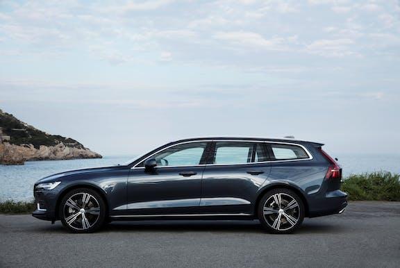 Volvo V60 side exterior