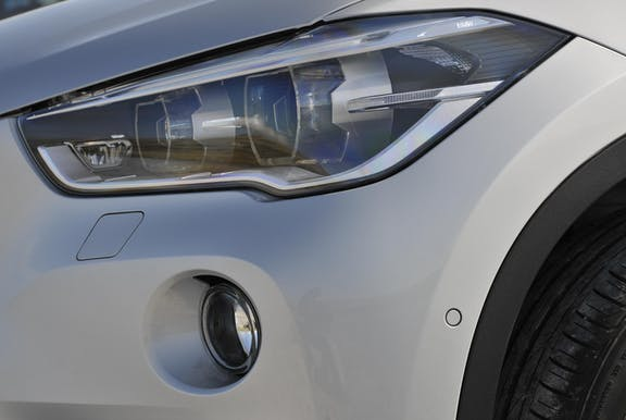 Front light shot of the BMW X1