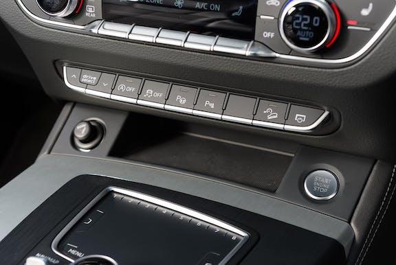 Control shot of the Audi Q5