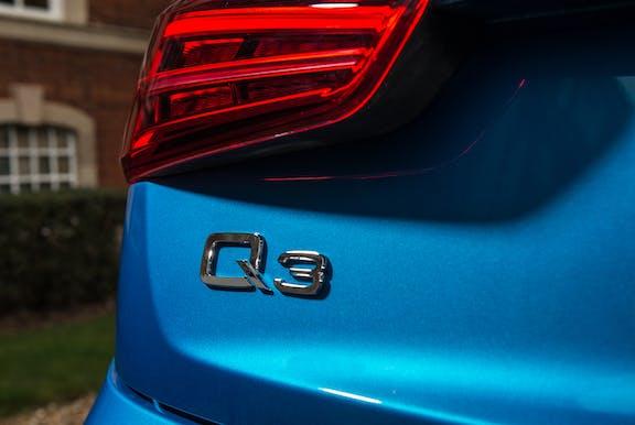 Badge shot of the Audi Q3