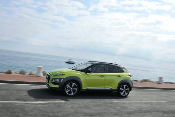 Hyundai Kona side view