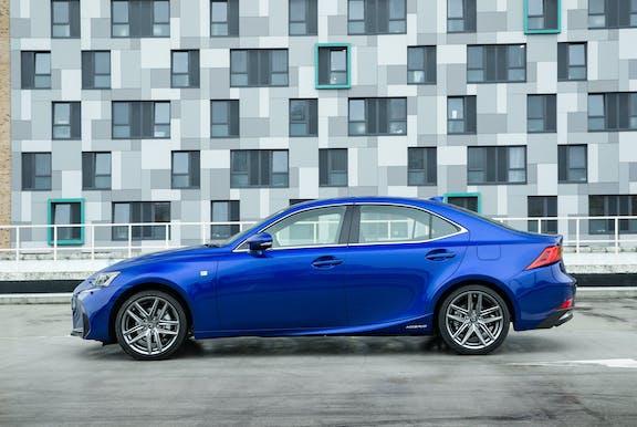 Lexus IS side exterior