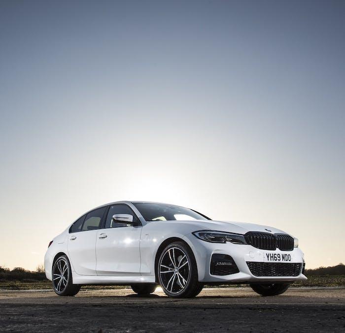 2020 BMW 330e m Sport [white] static
