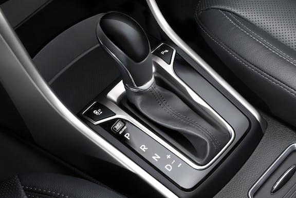 Gear stick shot of the Hyundai i30