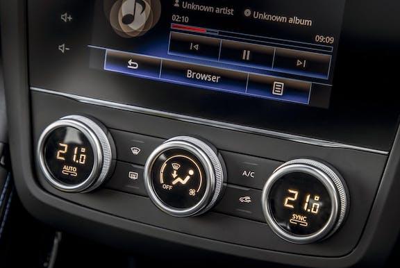 Control shot of the Renault Kadjar