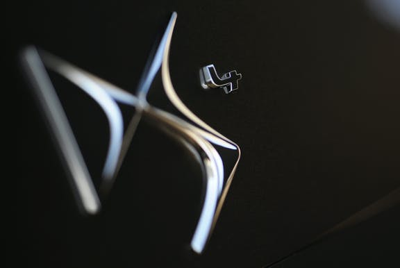 Badge shot of the Citroen DS4