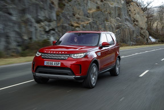 Front exterior Land Rover Discovery red