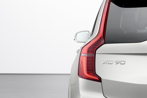 Rear light shot of the Volvo XC-90