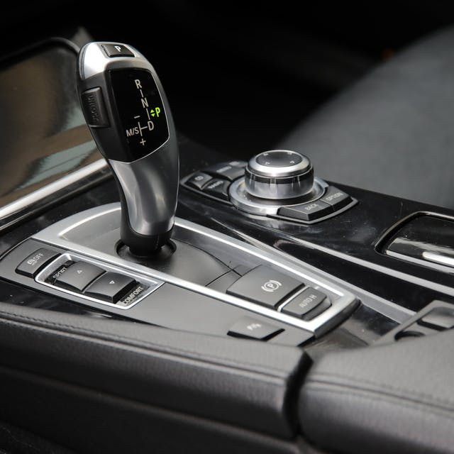 Automatic gear shot