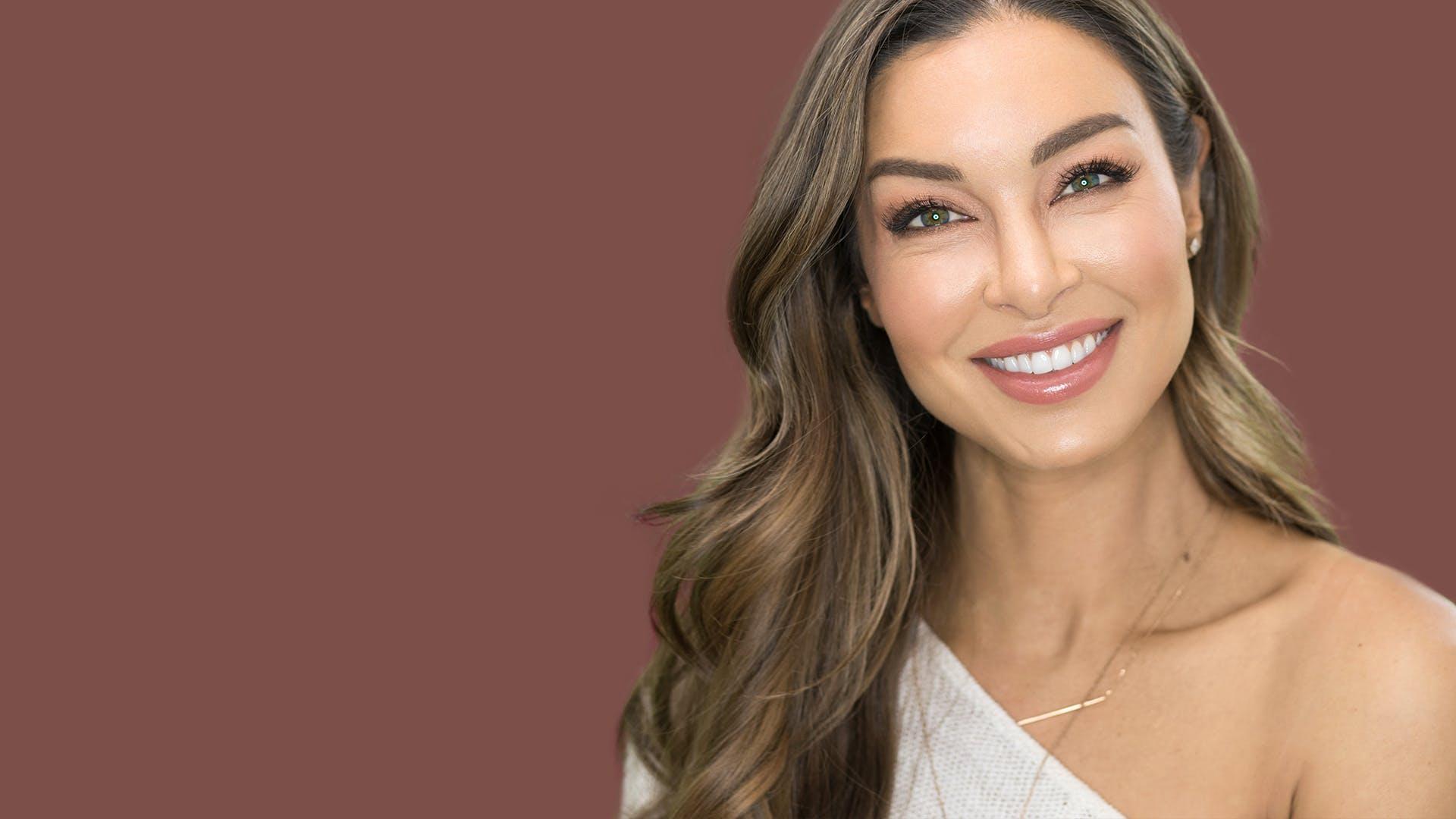 Laurina Fleur Australian model after teeth whitening treatment.
