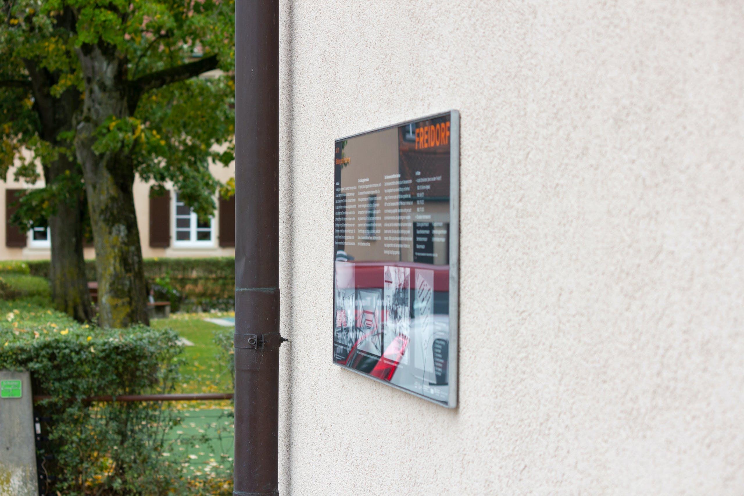 Freidorf-Muttenz, Basel, Publik Design, Gestaltung, Tafeln, Informationstafeln, Grafikdesign, Siedlung, Genossenschaft, Freidorf