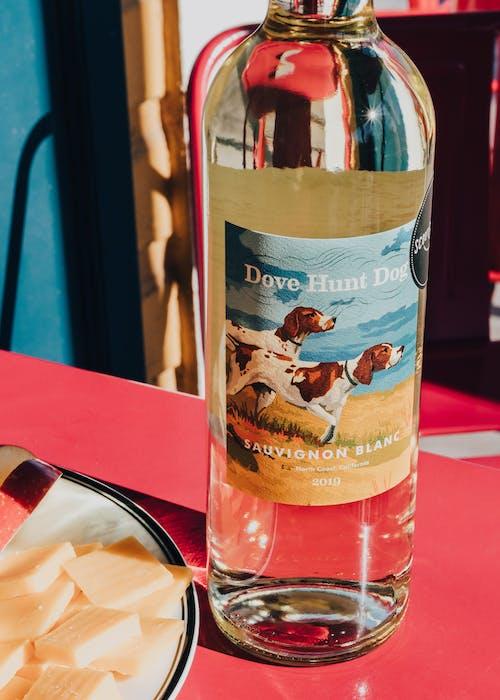 2019 DOVE HUNT DOG SAUVIGNON BLANC