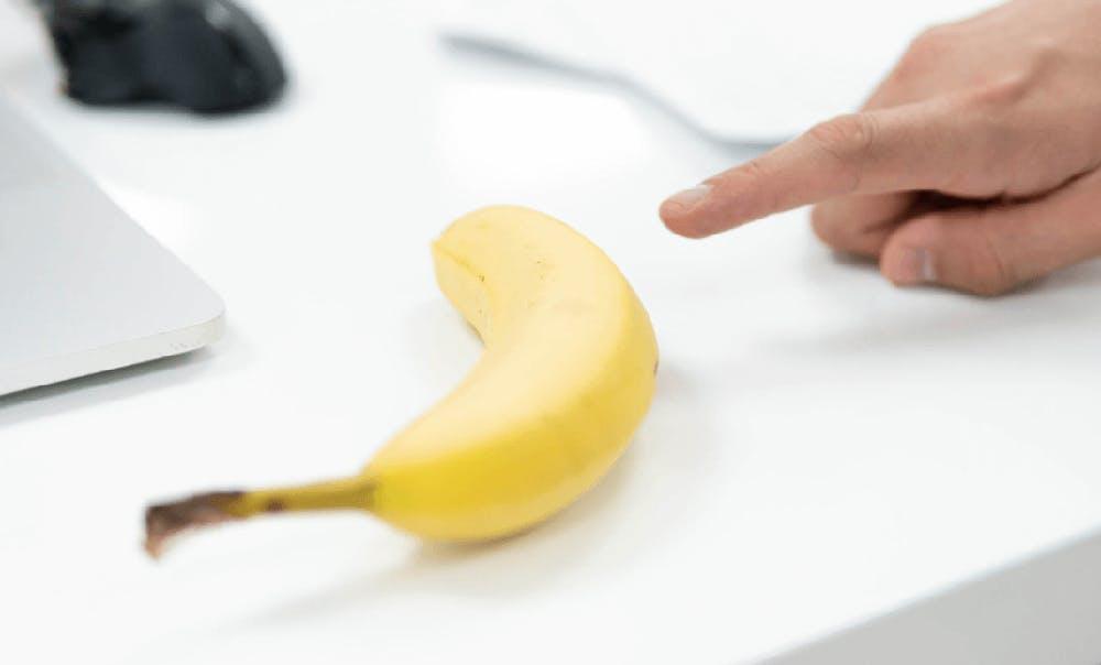 Chelsea Apps a banana