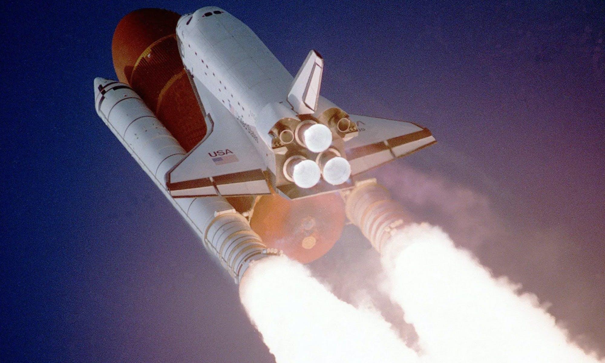 Chelsea Apps a rocket taking off