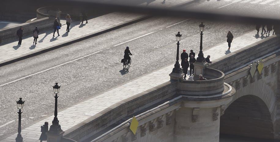 vue du pont neuf en face de la samaritaine