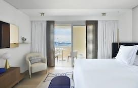 Deluxe Sea Suite