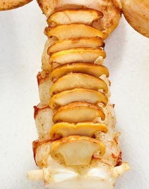plat gastronomique aux crustacés et cèpes