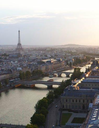 L'hôtel Cheval Blanc Paris face à la Seine