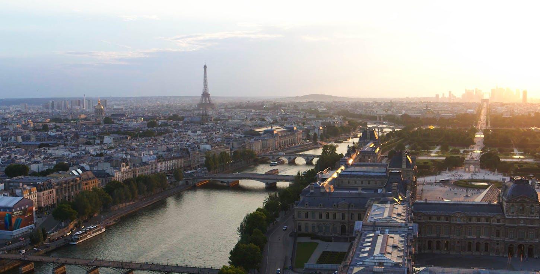 Vue de Paris depuis l'hôtel cheval blanc paris