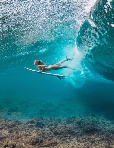 Surf aux Maldives