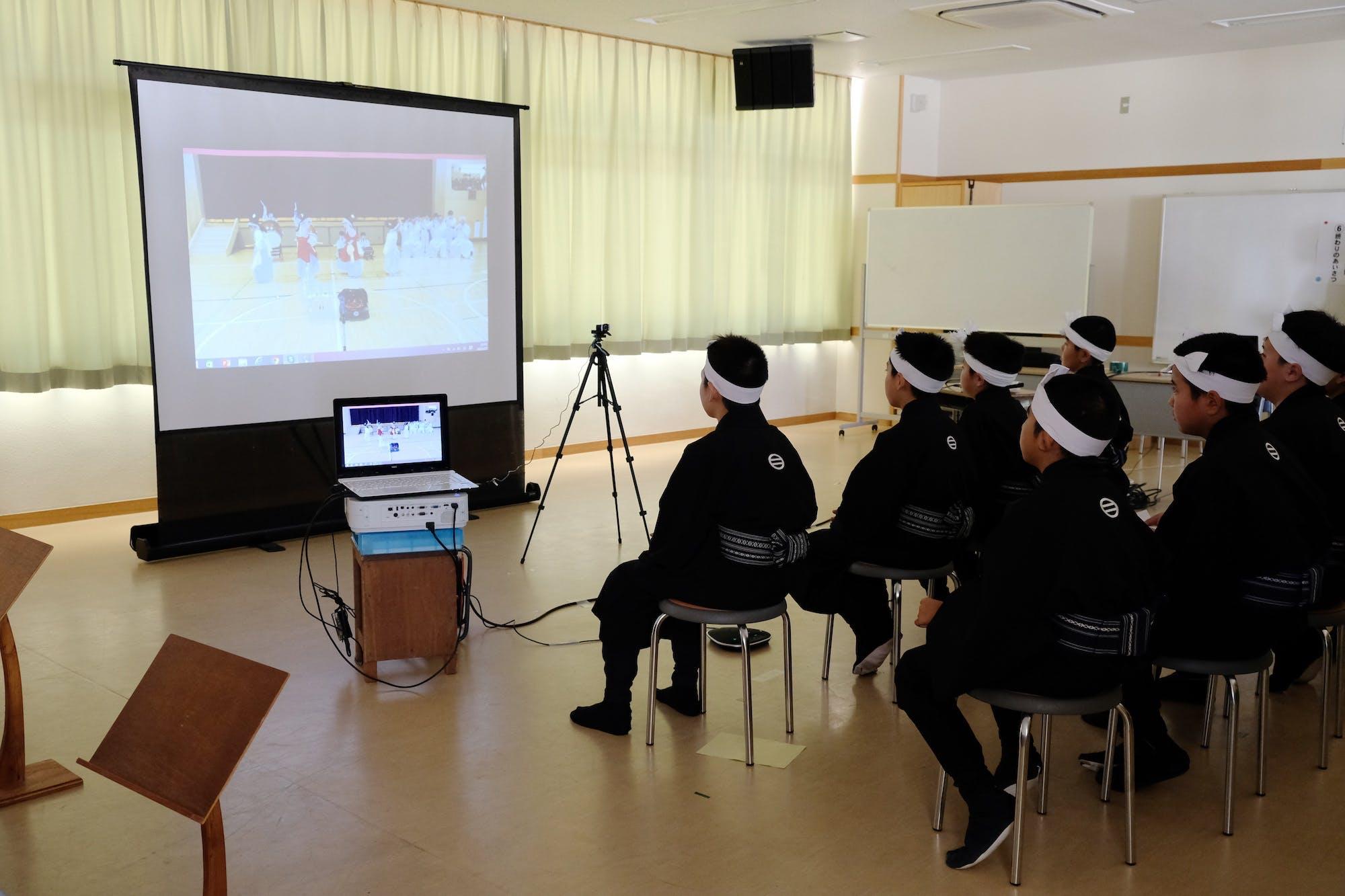 伊江村タウンミーティング photo:當麻妙