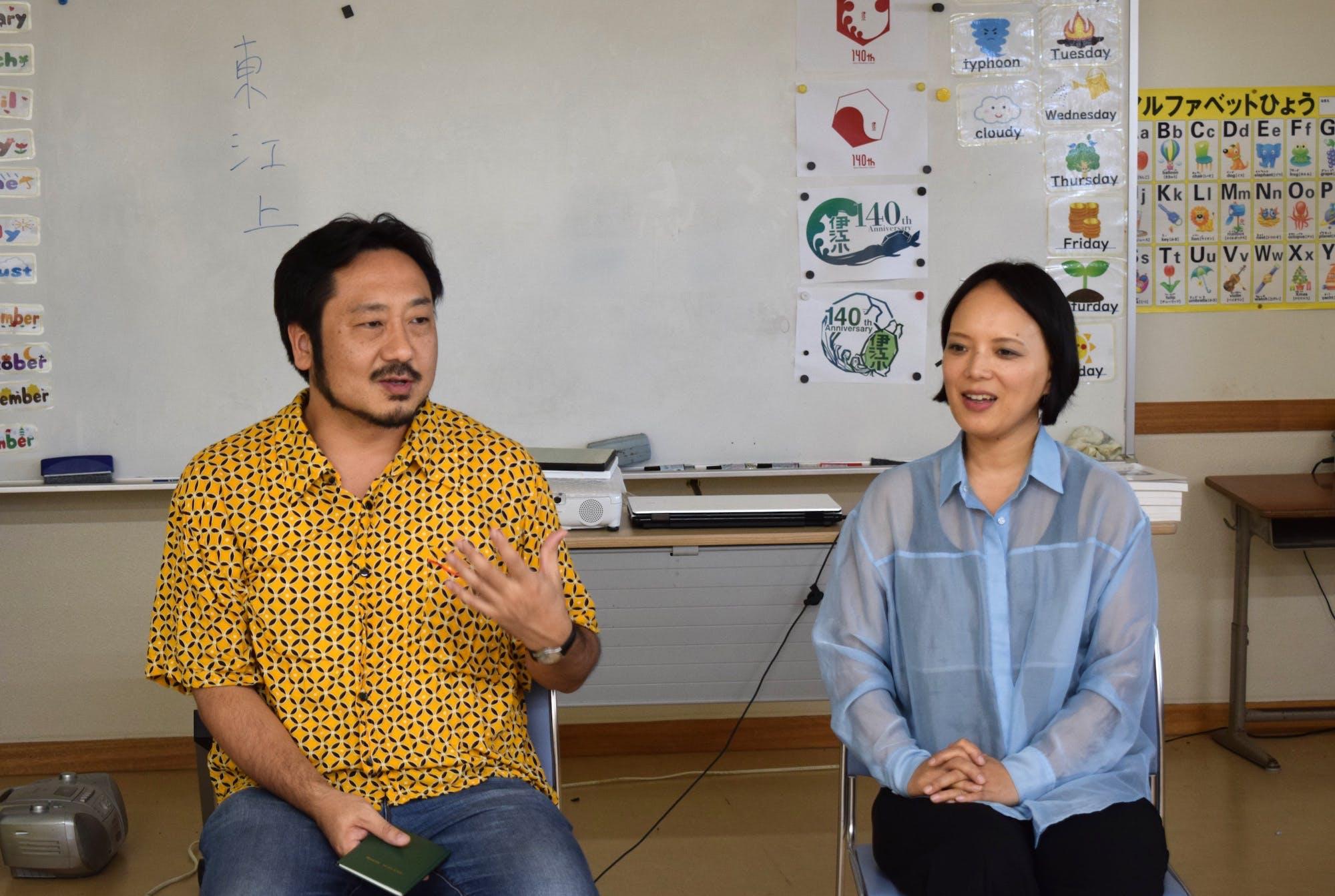 川瀬慈(左、国立民族学博物館准教授) 松田美緒(右、音楽家) photo:當麻妙