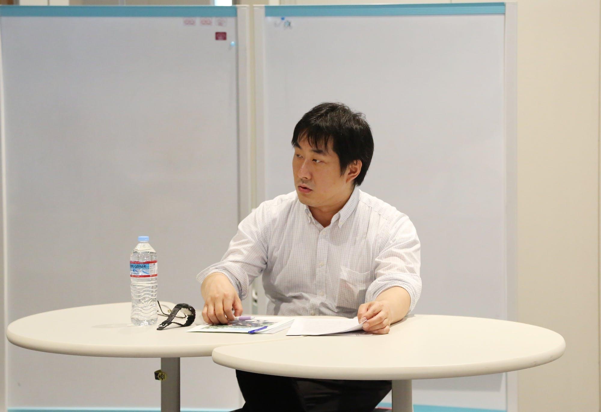 土屋誠一(沖縄県立芸術大学准教授) photo:當麻妙