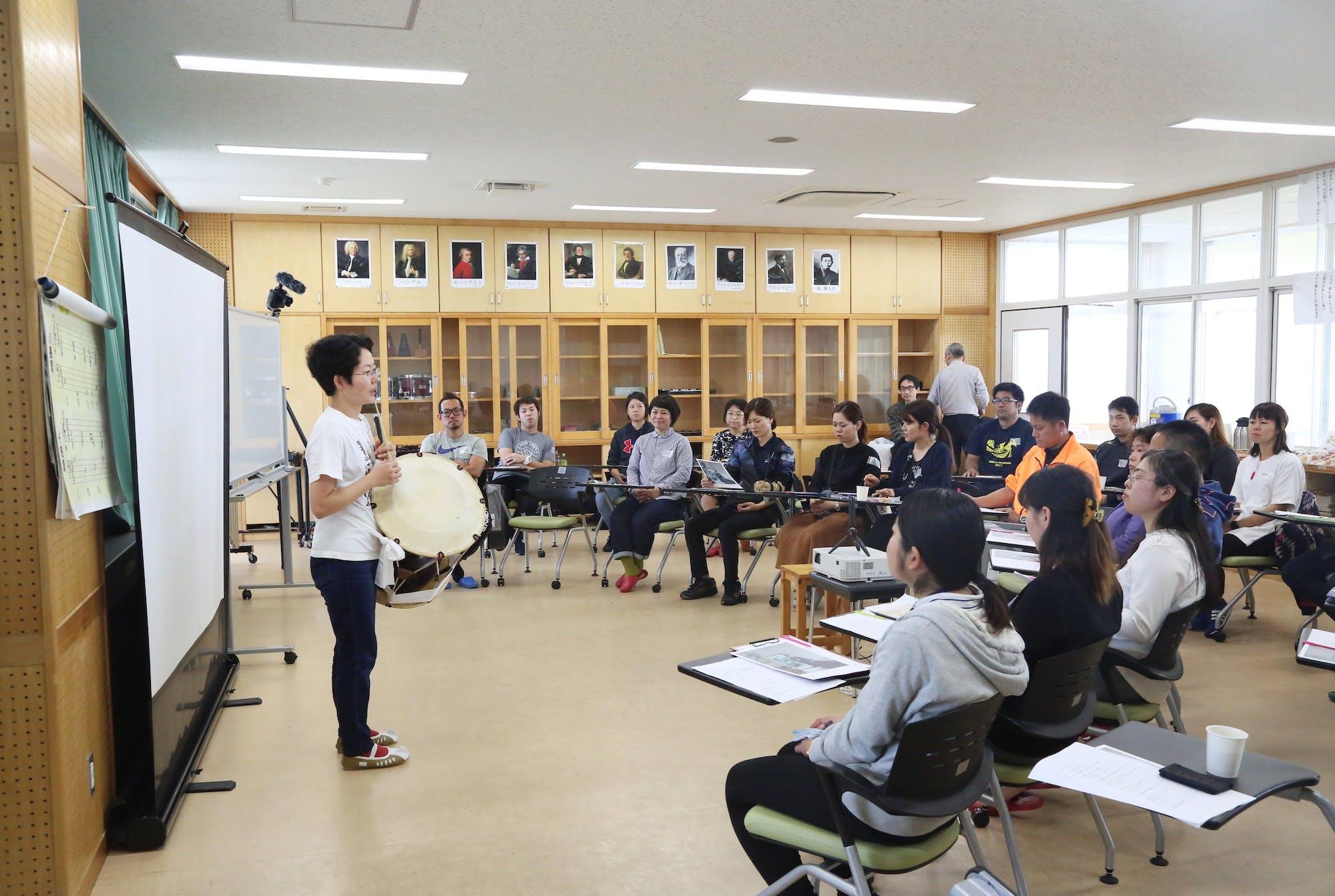 伊江村タウンミーティング(朝鮮半島の太鼓・チャンゴでレセプション) photo:當麻妙